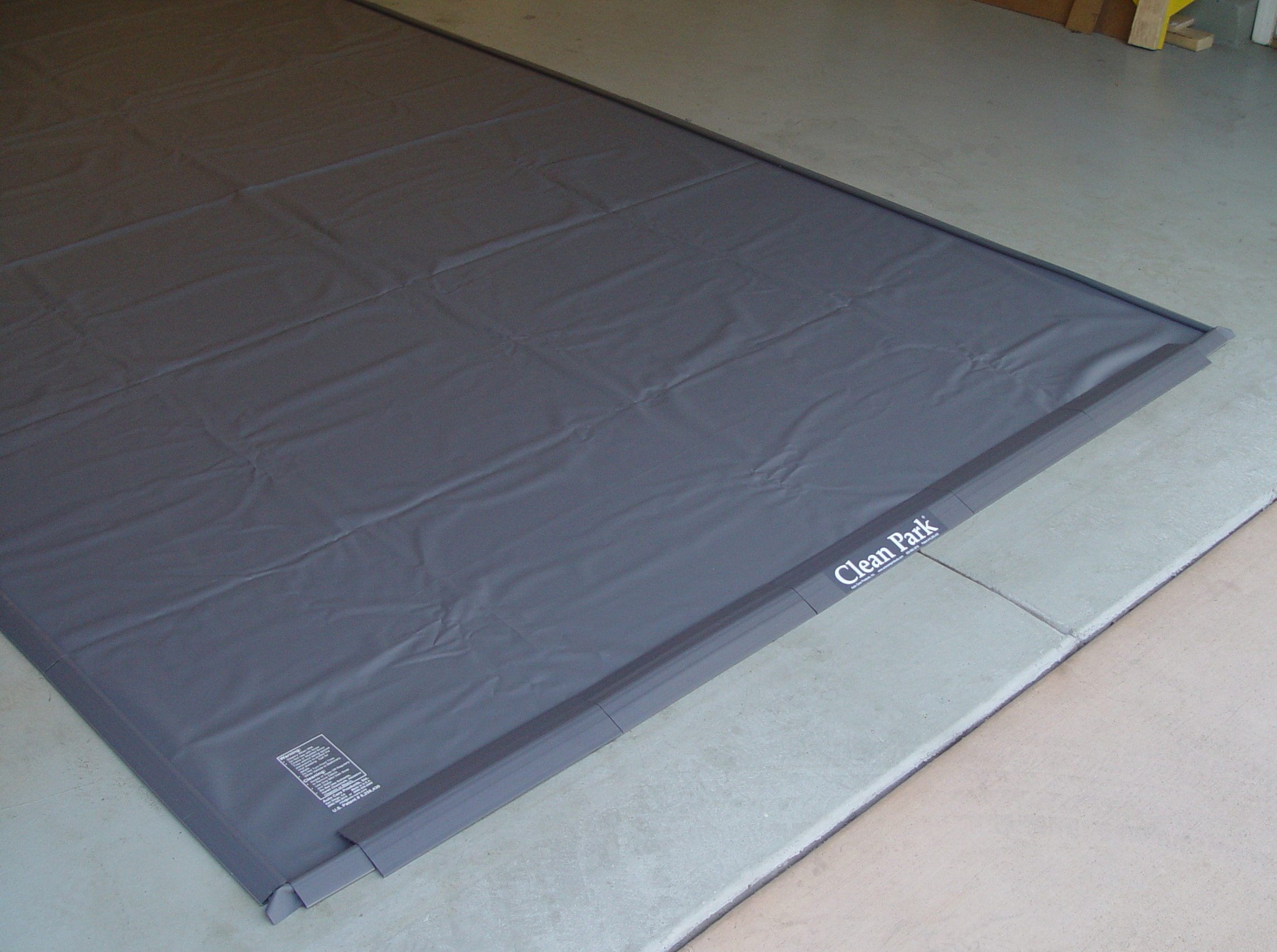 Clean Park Garage Mat